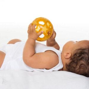 hevea greifball naturkautschuk baby