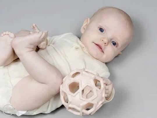 hevea greifball naturkautschuk rosa